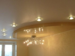 Глянцевые или матовые натяжные потолки?